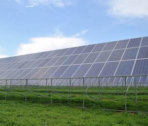 """本项目将""""高效农业""""与""""光伏发电""""有机结合,发展清洁能源、推进新能源产业,将单一蔬菜大棚拓展到观光旅游、农业种殖等多个方面。"""